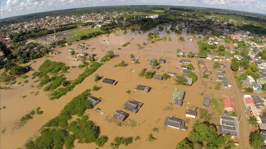 Las inundaciones en la Amazonía brasileña dejan dos muertos en la capital de Acre