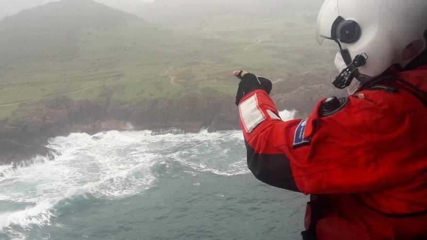 Buscan a un pescador caído al mar en Ubiarco