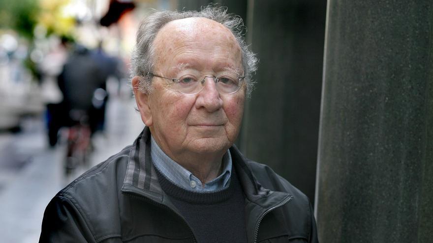 Joan Francesc Mira és un home d'horta cosmopolita, en el seus ulls hi ha una guspira forta de viatges, vida i treballs.