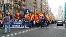Marcha neonazi por el centro de Madrid, en la calle Gran Vía.   Foto: Mercedes Domenech.