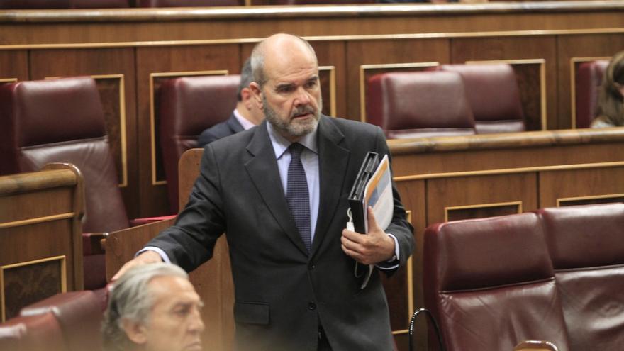 Chaves también formaliza su renuncia al escaño con efectos desde el 2 de julio