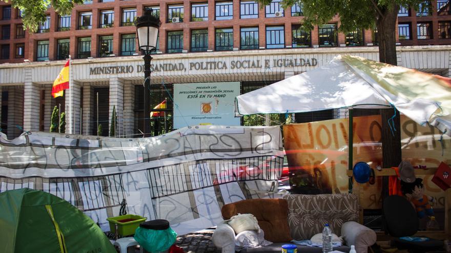 Los acampados aseguran que los servicios sociales del Ayuntamiento aún no ha acudido a interesarse por ellos.