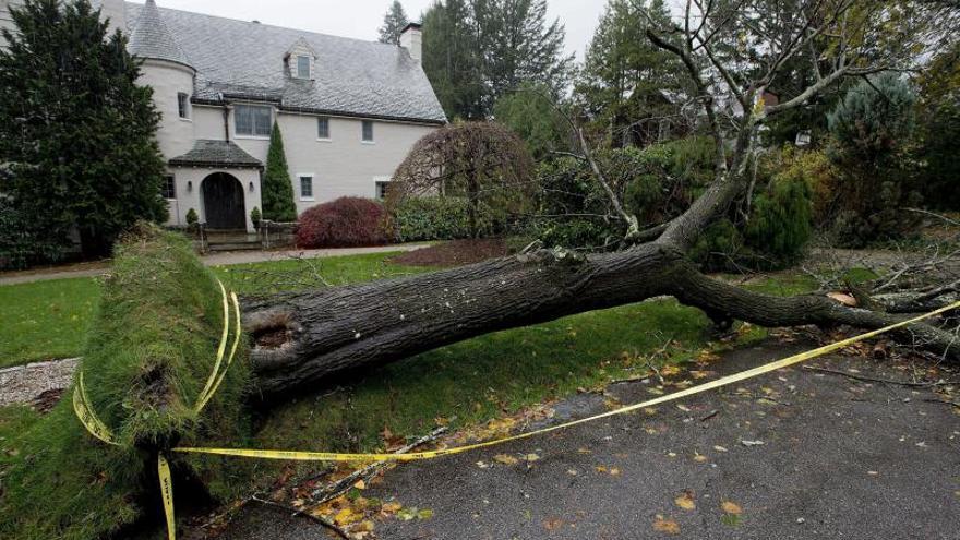 Fuertes lluvias causan al menos dos muertos en el sur de EEUU