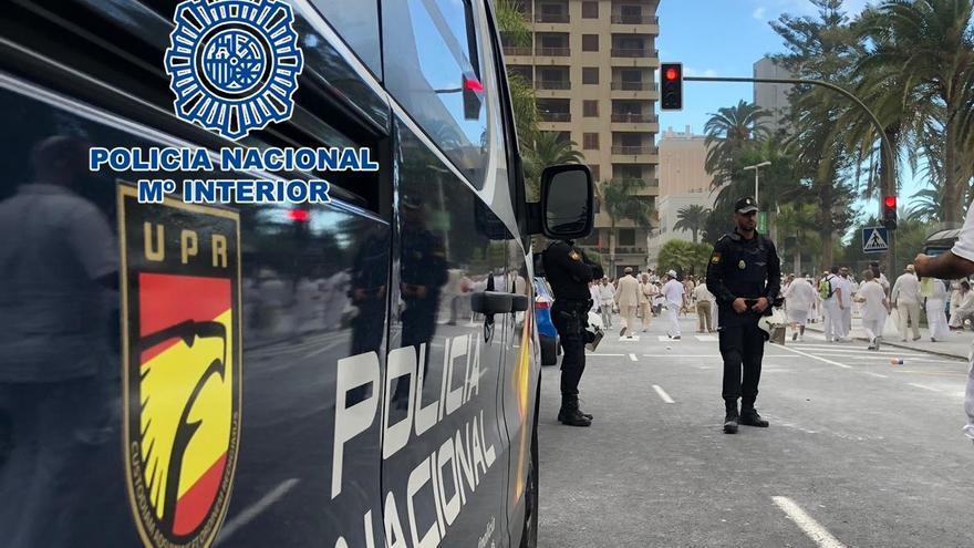 Agentes de la Policía Nacional en Los Indianos.