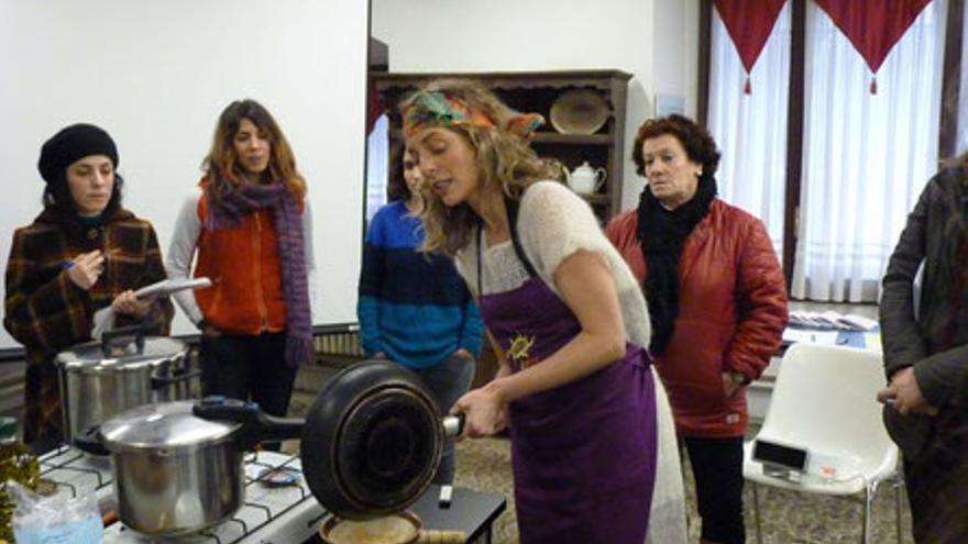 Nieves Urrutia impartiendo un taller. Foto: Gustu Bilbao