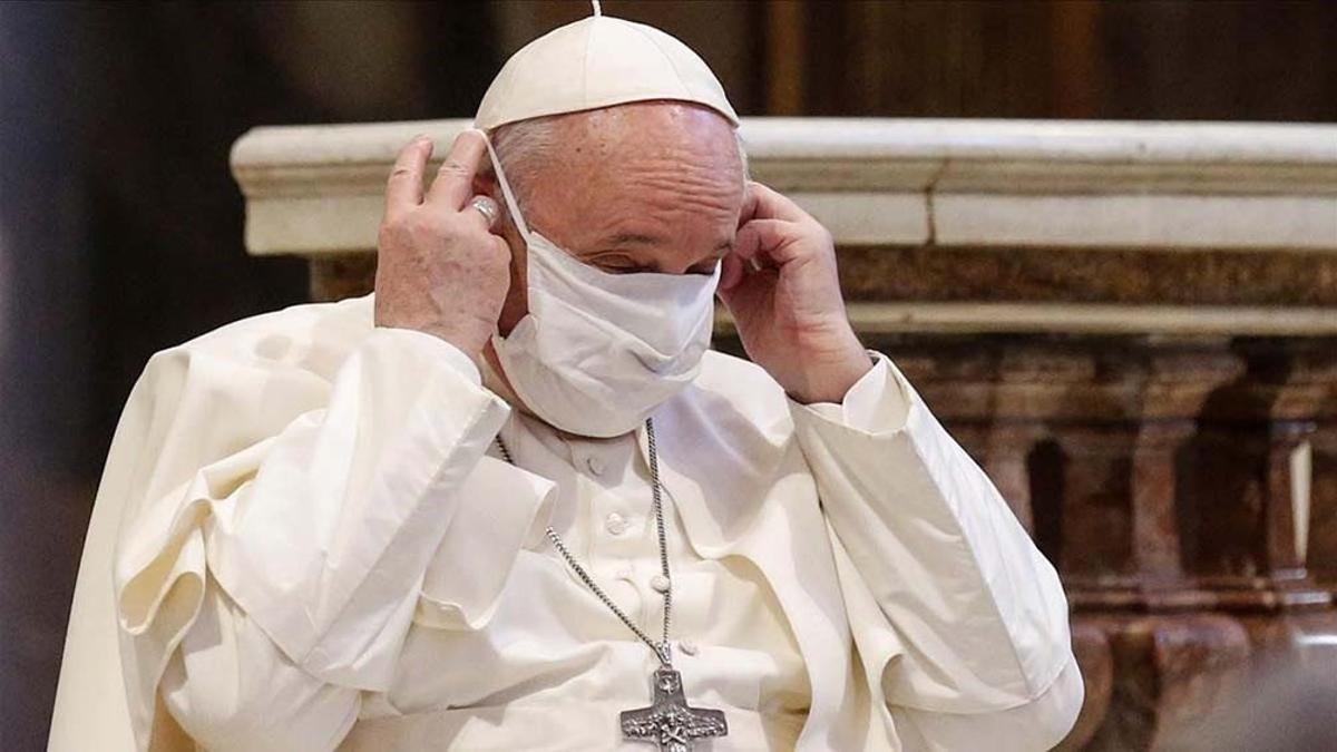 El papa se sometió a la segunda intervención desde que fue elegido en 2013