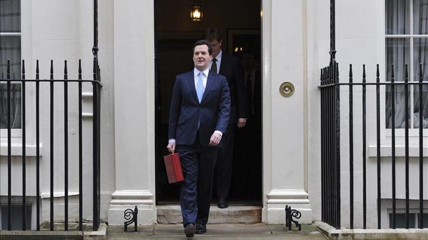 El Gobierno británico acuerda con siete ministerios recortes para 2015