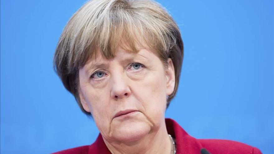 Merkel subraya que los judíos están protegidos en Alemania
