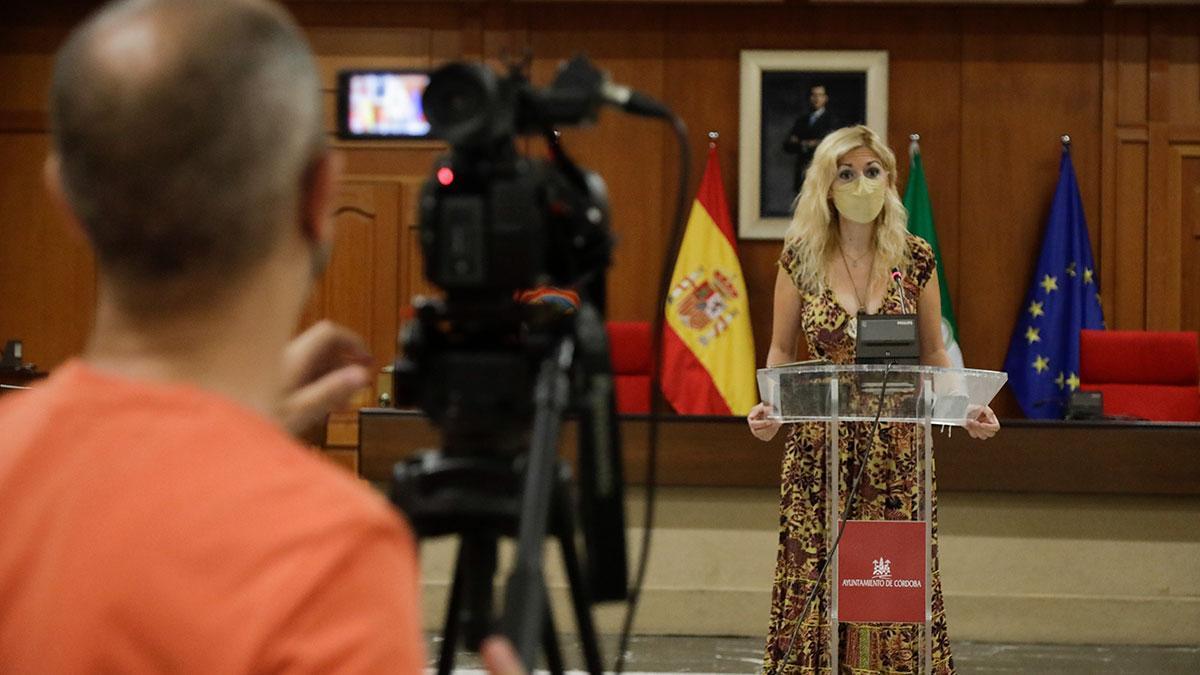 Lourdes Morales.