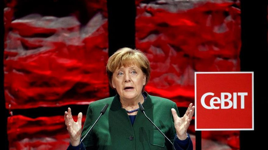 Merkel y Abe abogan por el libre comercio y por el acuerdo entre UE y Japón