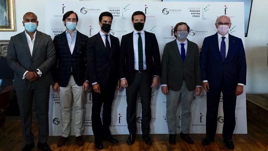 El presidente del Partido Popular, Pablo Casado, recibe el premio Hispanidad, Concordia y Libertad, que le conceden la Fundación Mariano Ospina Pérez, la Fundación Comunidad Iberoamericana y la Fundación Independiente. En Madrid, a 13 de julio de 2021.