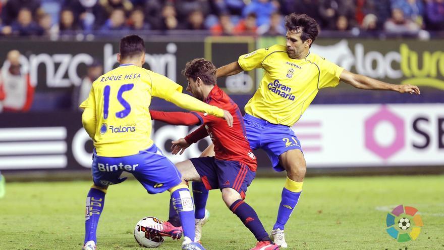 Roque Mesa y Valerón en el partido contra el Osasuna (LFP)