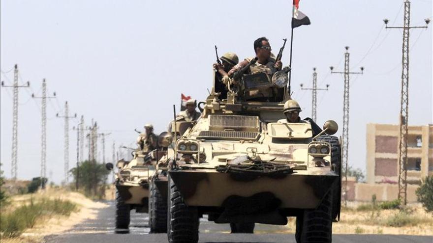 El ejército egipcio refuerza su despliegue en el Sinaí tras el secuestro de siete soldados