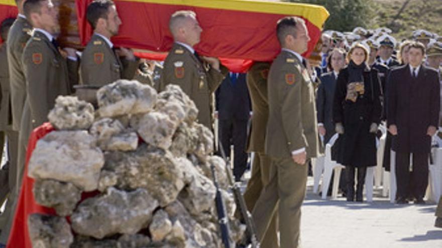 Funeral por los cinco militares españoles muertos.