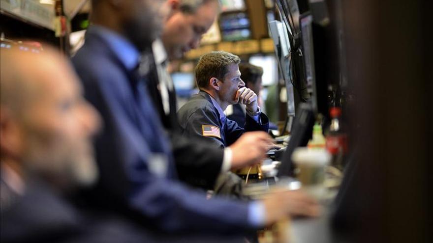 Wall Street abre en terreno positivo y el Dow Jones sube el 0,34  por ciento