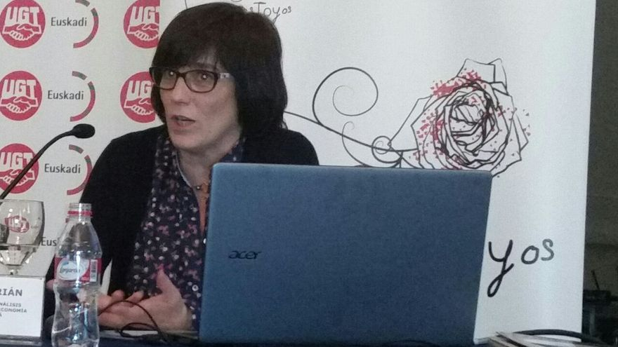 La profesora de Economía Inmaculada Cebrián, en las jornadas de UGT sobre la reforma laboral.