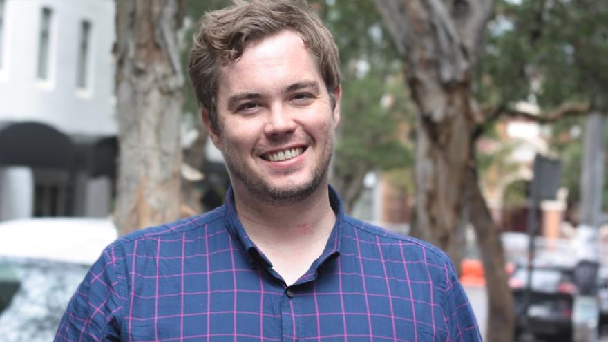 Michael Whitney, experto en marketing, recaudación de fondos y activista.