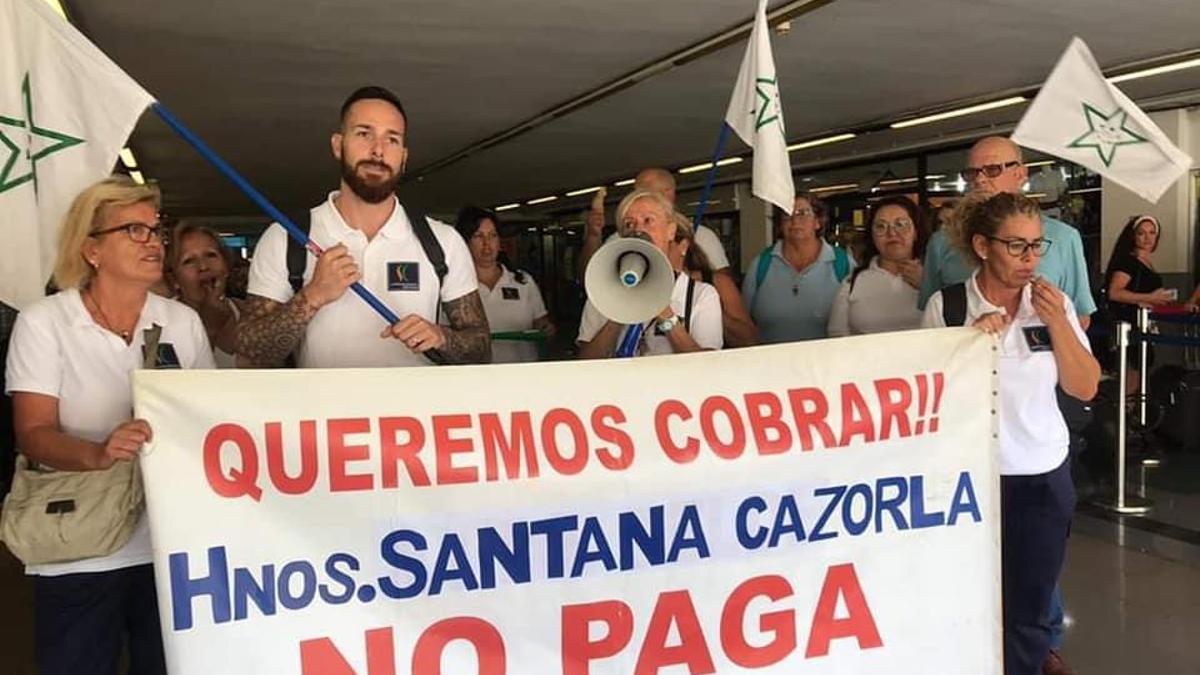Protestas de trabajadores del grupo Hermanos Santana Cazorla