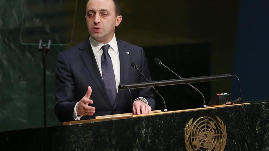 Dimite el primer ministro georgiano con la vista puesta en las elecciones en 2016
