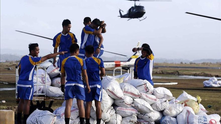 La OMS envía ayuda para 120.000 víctimas del tifón Haiyan en Filipinas