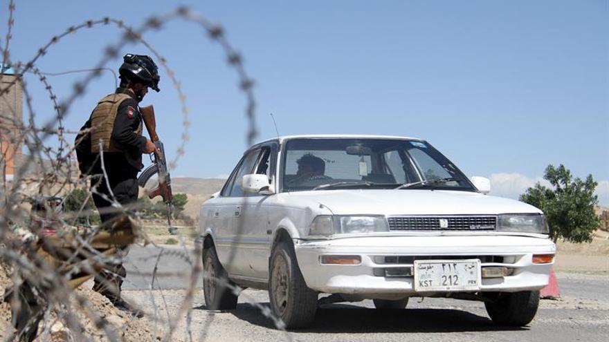 Fuerzas afganas y de EEUU expulsan a los talibanes de la ciudad de Ghazni