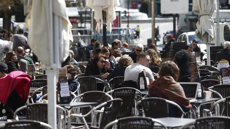 El PSOE pide que se flexibilicen los criterios sobre la recogida de las terrazas