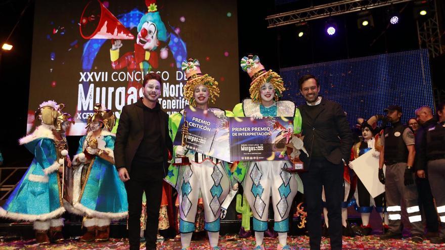 Entrega de premios en la final de este sábado, con integrantes de los Cascarrabias