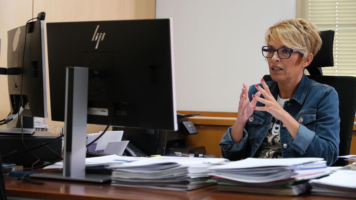 La consejera de Economía, Conocimiento y Empleo del Gobierno de Canarias, Elena Máñez