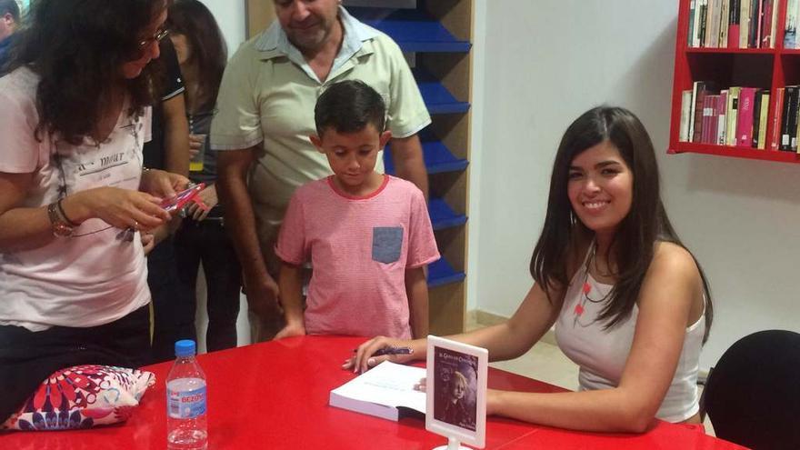 Aída Méndez durante la presentación de su libro en Adeje