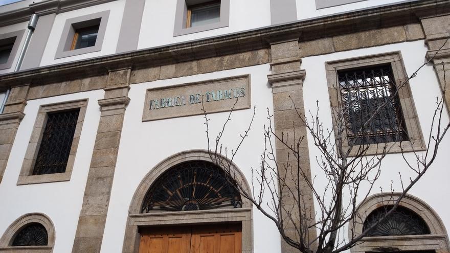 Imagen actual de una de las entradas de la Fábrica de Tabacos de A Coruña