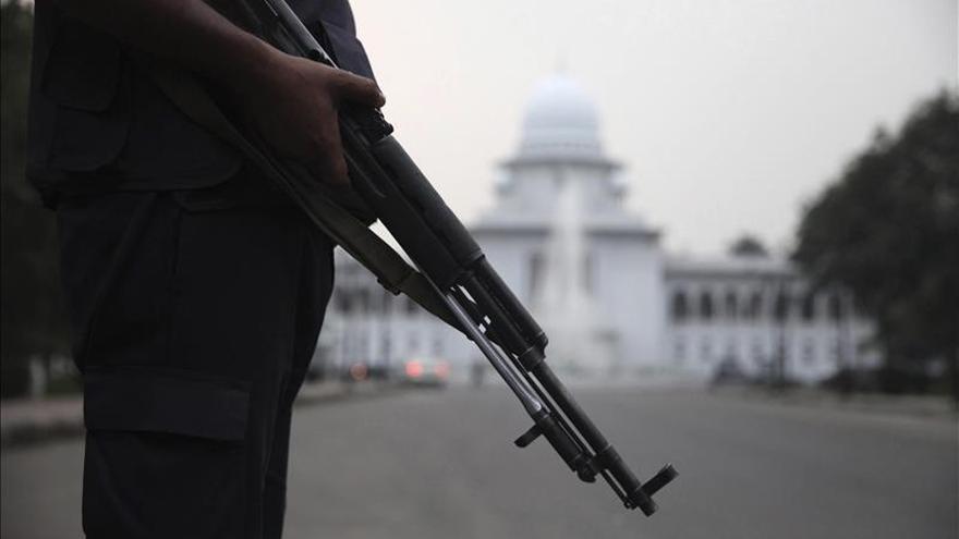 Ratifican la horca a 2 políticos opositores bangladesíes por crímenes de guerra