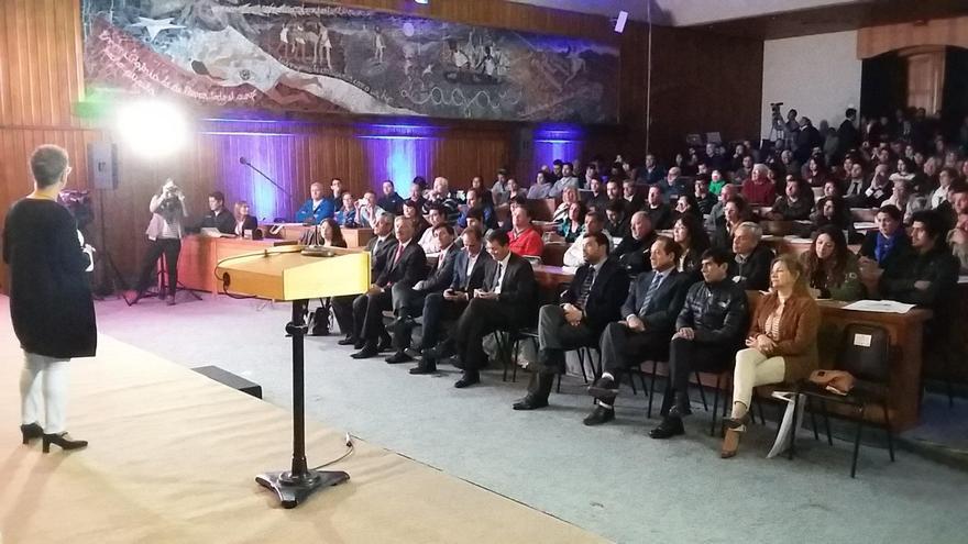 """Las exposiciones de la delegación palmera fueron seguidas """"con interés por los casi 300 asistentes que se registraron en la primera jornada."""