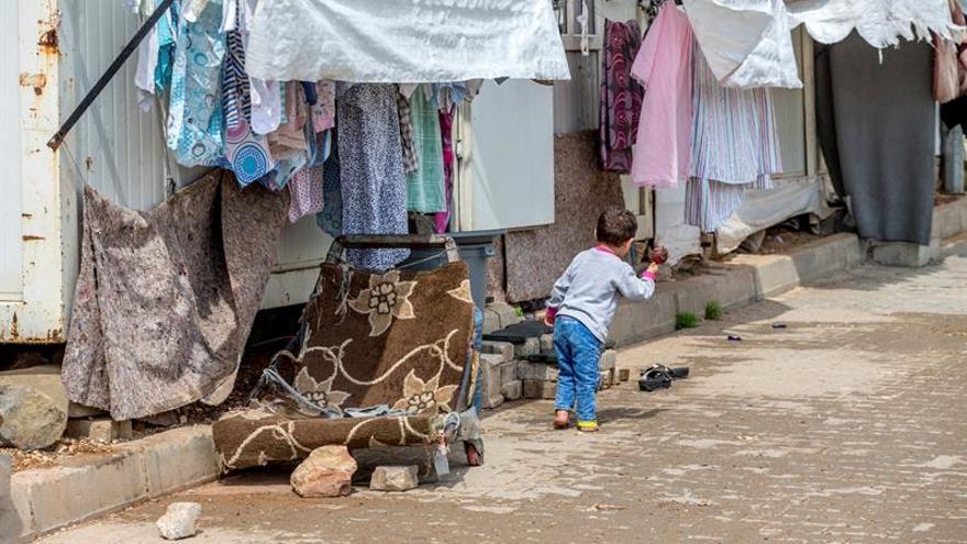 Muere una niña siria por disparos de la guardia fronteriza turca