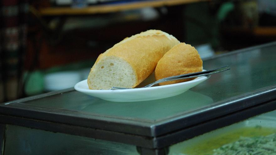 Pan de 'posguerra' en Casa Camacho | MALASAÑA A MORDISCOS