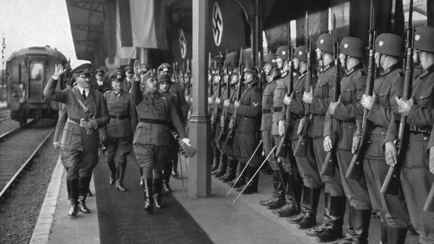 Franco-Hitler-Hendaya-octubre-picture-al