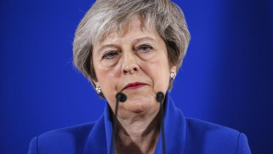 """May visita Escocia para garantizar el control de las aguas tras el """"brexit"""""""