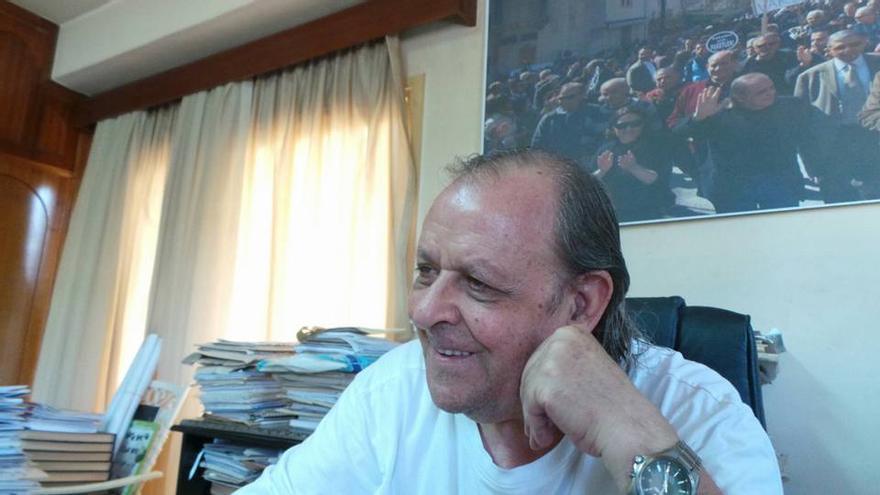 Sener Levent, director de Afrika, en su despacho en Chipre del Norte. Facebook