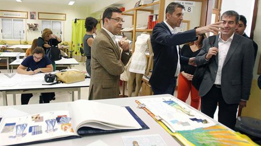 Fernando Clavijo, durante la visita al centro de FP Las Indias