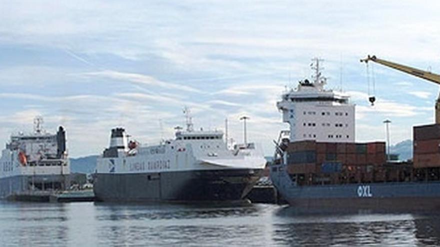 """Diego avisa de que para poder tener una terminal de mercancías en el Puerto será """"imprescindible"""" la implicación privada"""