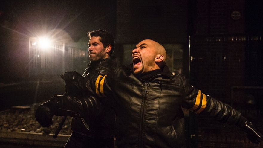 Scott Adkins y Tim Man en Accident Man