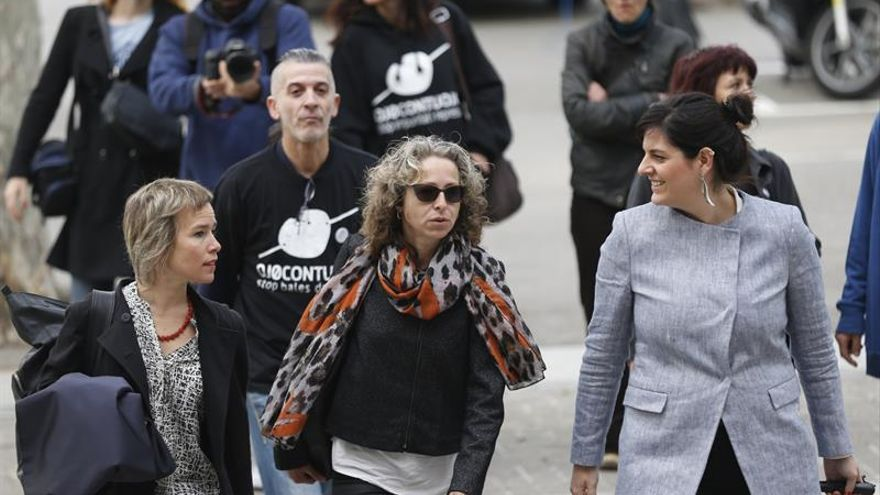 Ester Quintana a su llegada al tribunal en uno de los días del juicio