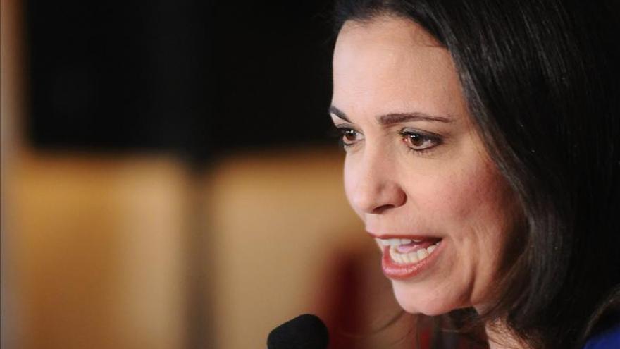 La oposición presenta otra impugnación mientras los diputados conversan en Venezuela