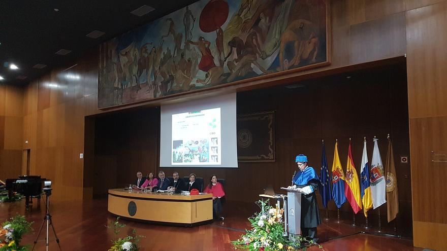 Pedro Sosa, Catedrático del área de Botánica de la ULPGC, durante su lección inaugural del curso de la ULPGC 2019-2020.