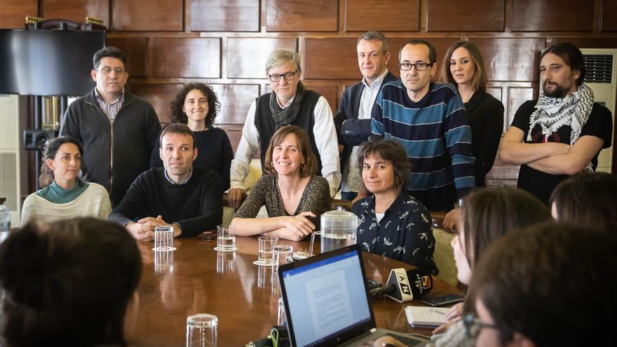 Teresa Artigas acompañada de todo el equipo de gobierno de Zaragoza en Común