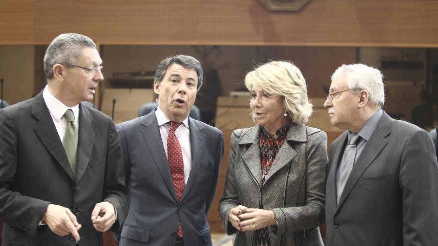 Alberto Ruiz Gallardón, junto al expresidente madrileño Ignacio González.