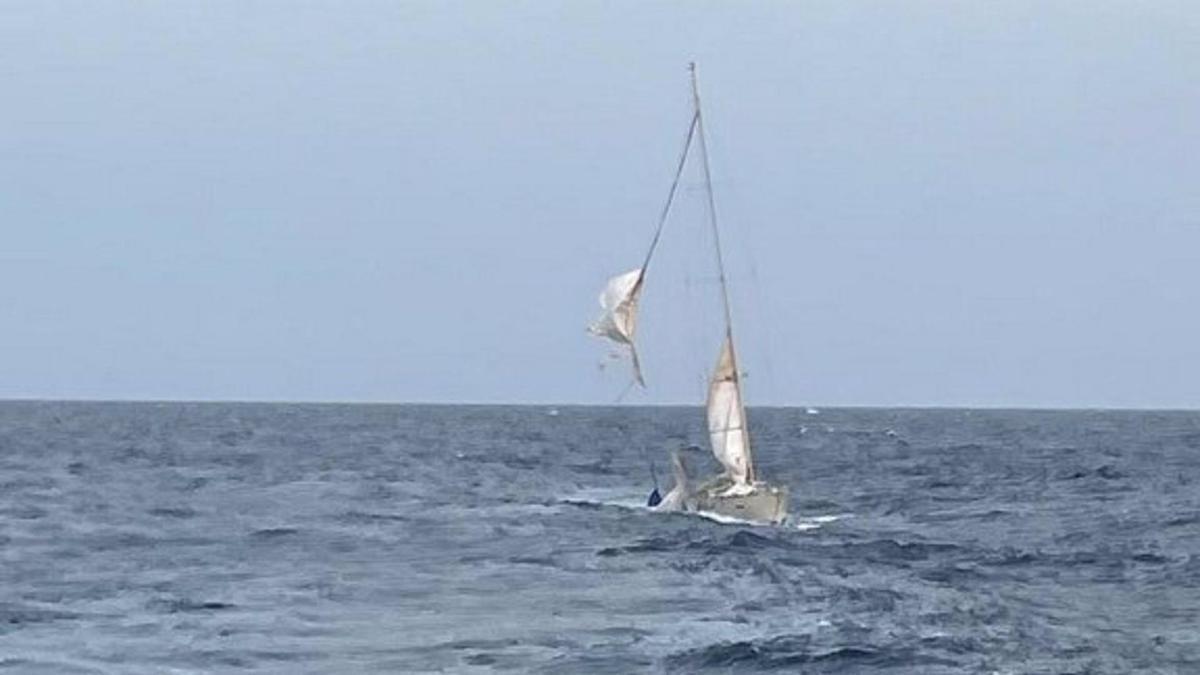 Rescate del velero escuela Tambo de la Armada