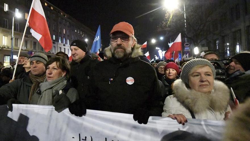 La oposición protesta en Varsovia contra el Gobierno de Ley y Justicia