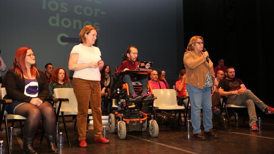 Pablo Echenique en el CICCA junto a Conchi Moreno y Meri Pita.(ALEJANDRO RAMOS)