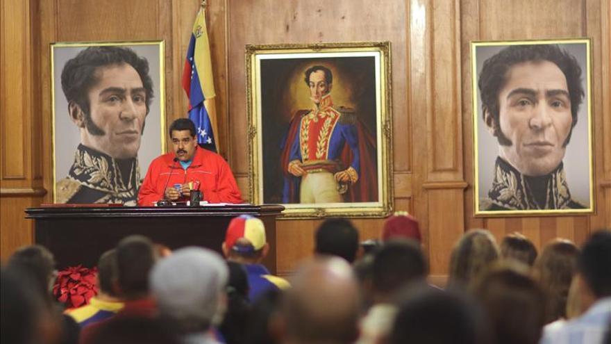 """Maduro llama a los chavistas a una jornada de debate para analizar el """"revés"""" electoral"""