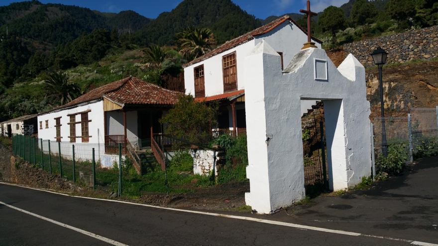 La Casa Pinto y Vélez de Ontanilla se encuentra junto al Santuario de Las Nieves.